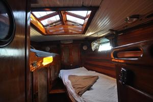60' Maple Leaf 60 1983 Forward Cabin