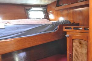 60' Maple Leaf 60 1983 Midship cabin-2