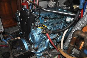 60' Maple Leaf 60 1983 Engine