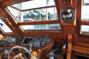 60' Maple Leaf 60 1983 Helm-2
