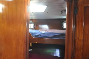 60' Maple Leaf 60 1983 Mid ship cabin