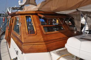 60' Maple Leaf 60 1983 forward Pilot Housr