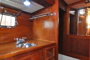 60' Maple Leaf 60 1983 Aft Head