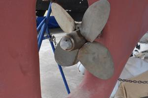 60' Maple Leaf 60 1983 Propeller