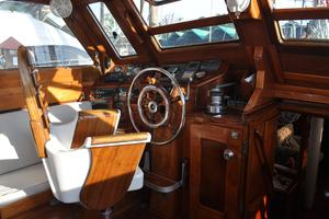 60' Maple Leaf 60 1983 Helm