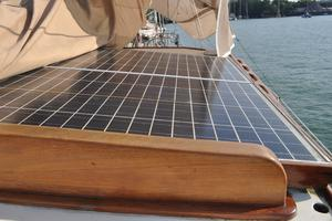 60' Maple Leaf 60 1983 Solar panels