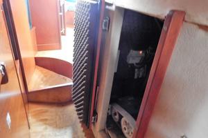 53' Amel Mango 1982 Inside - engine room access