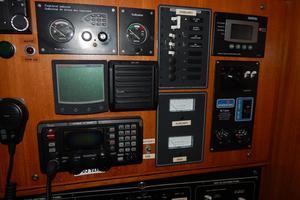 47' Catalina 470 1999 Nav Instruments