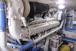 60' Bertram Convertible 1995 Port Engine