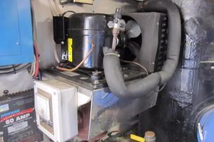 60' Bertram Convertible 1995 Engine Room