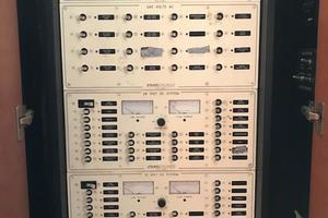 52' Buddy Davis Express 2002 Distribution Panel