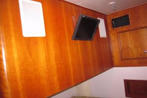 52' Buddy Davis Express 2002 VIP Stateroom TV