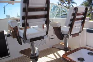 52' Buddy Davis Express 2002 Helm Chair Detail