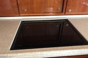 63' Bertram Convertible 2007 Galley Cooktop