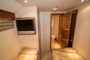 64' Hatteras 64 Motor Yacht 2006 Guest Stateroom Looking Forward