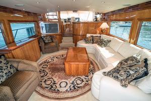64' Hatteras 64 Motor Yacht 2006 Salon Entance
