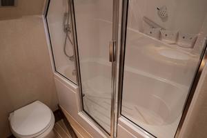 64' Hatteras 64 Motor Yacht 2006 Master Shower