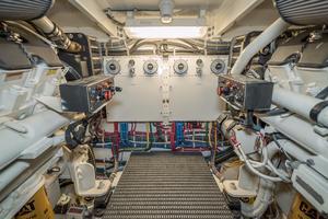 64' Hatteras 64 Motor Yacht 2006 Wiring