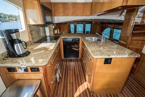64' Hatteras 64 Motor Yacht 2006 Galley