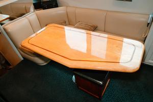 60' Viking 60 Motor Yacht 1996 Dinette