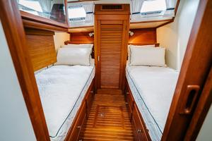 49' Grand Banks 49 Eastbay HX 2002 Guest Stateroom to Port