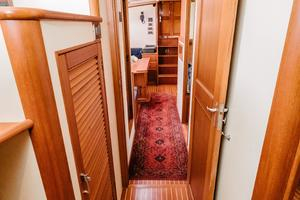 49' Grand Banks 49 Eastbay HX 2002 Entrance to Master