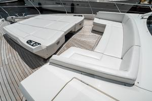 72' Absolute 72 2016 Bow seating