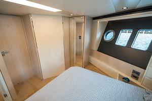72' Absolute 72 2016 VIP Stateroom