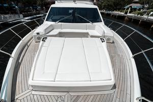 72' Absolute 72 2016 U shaped bow seating with Sunpad