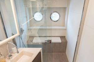 72' Absolute 72 2016 Master Shower