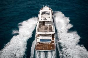 72' Absolute 72 2016 Aft