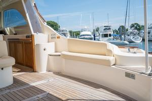44' Mochi Craft 44 Dolphin 2008 Stbd Seating