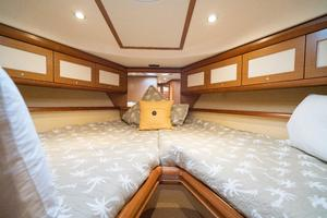 44' Mochi Craft 44 Dolphin 2008 Forward Staterroom