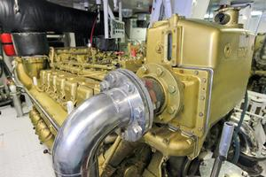 121' Denison Raised Bridge Cockpit Motor Yacht 1986 Engine Room