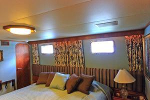 121' Denison Raised Bridge Cockpit Motor Yacht 1986 Starboard Guest Stateroom