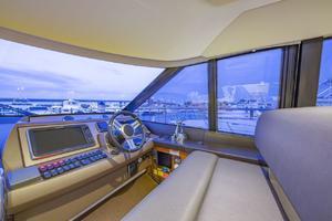 55' Prestige Flybridge 2015