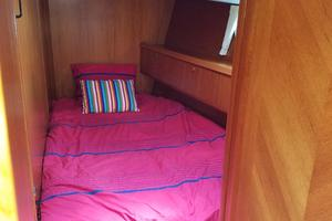 54' Jeanneau DS 54 2009 VIP Guest Cabin to Stbd