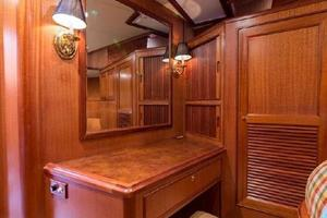 66' Offshore 66' Pilothouse 2005 Master Stateroom Vanity