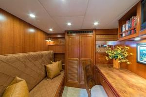66' Offshore 66' Pilothouse 2005 Covertible Guest Stateroom/Office