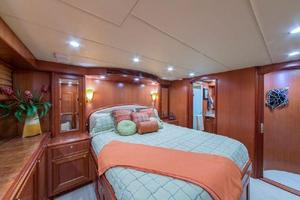 66' Offshore 66' Pilothouse 2005 Master Stateroom