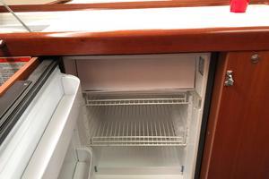 49' Beneteau America 49 2007 VitroVrigo refrigerator