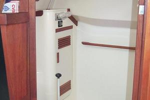38' Sabre 38 MKII 1989 Head and shower