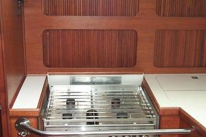 38' Sabre 38 MKII 1989 Four burner stove with oven