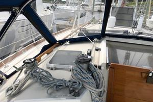 38' Sabre 38 MKII 1989 Port side Cabin top winches