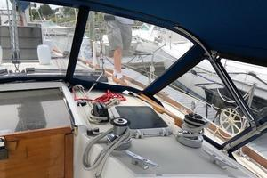 38' Sabre 38 MKII 1989 Starboard side cabin top winches