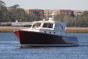 42' Vicem 42 Classic 2003 port bow