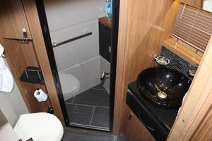 59' Sea Ray L590 2017 sink in master