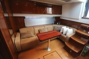 47' Sea Ray 470 Sundancer 2012 salon seating