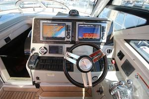 47' Sea Ray 470 Sundancer 2012 helm view