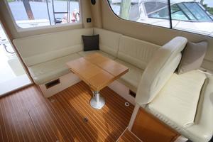 42' Rodman 1250 ADV Fisher/Cruiser 2014 salon settee/dinette